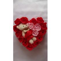 Róże i miś w pudełku-serce